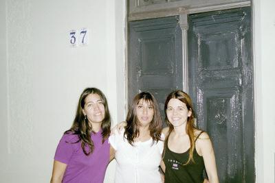 Silvia, con Miriam y Carla, en Bernal