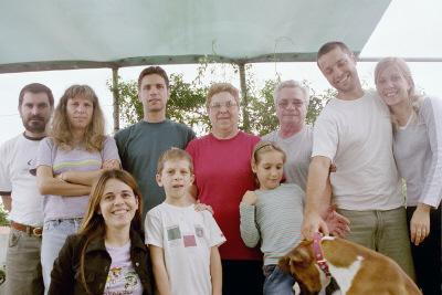Antes de irnos, con la familia de Toni un domingo de asado